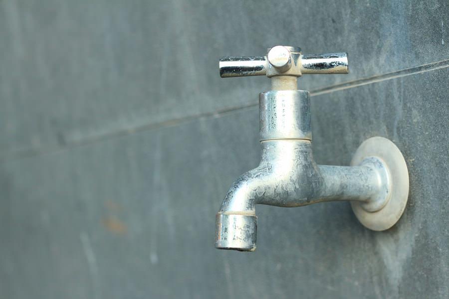An outdoor water spigot